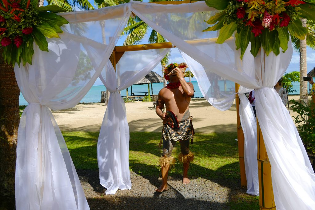 Le Vasa Resort wedding arch