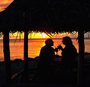 Le Vasa Resort-amazing couple-sunset