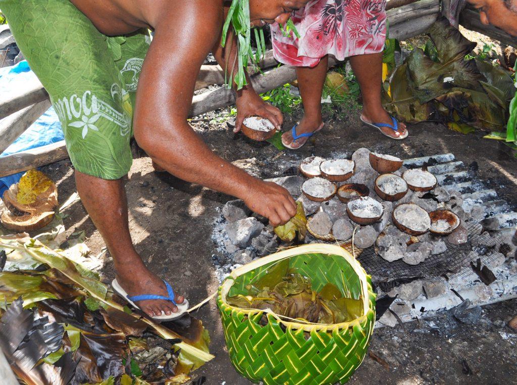 CCooking Samoan Umu Style