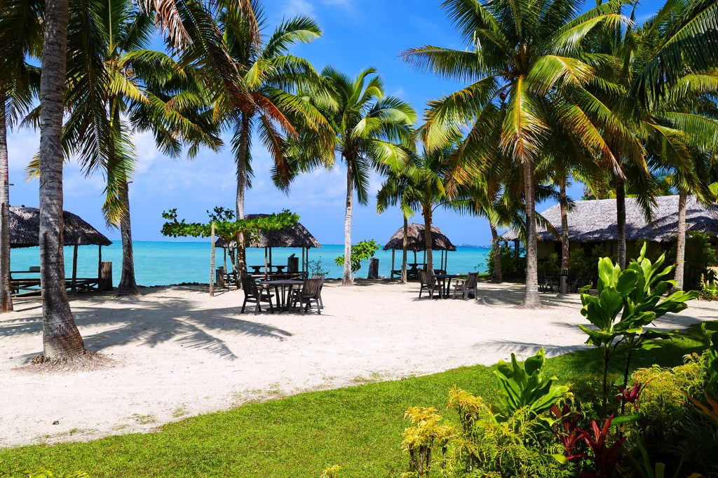dining fales beach le vasa resort